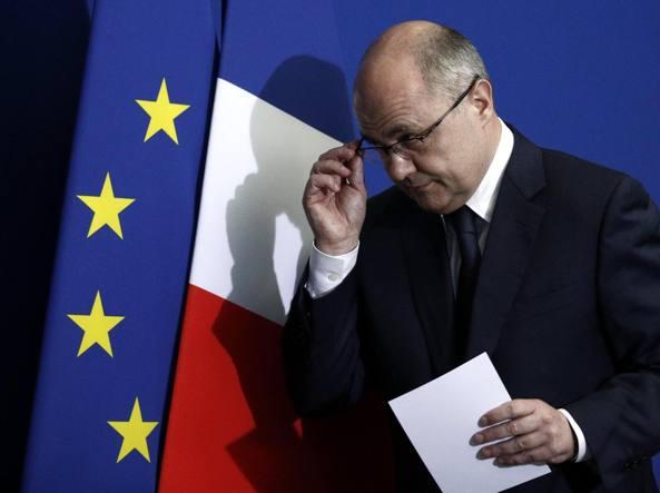 Francia contratti alle figlie minorenni lascia ministro for Assistenti parlamentari m5s