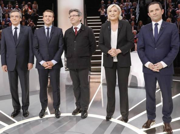 I 5 principali candidati alle presidenziali francesi: da sinistra Fillon, Macron, Mélenchon, Le Pen, Hamon