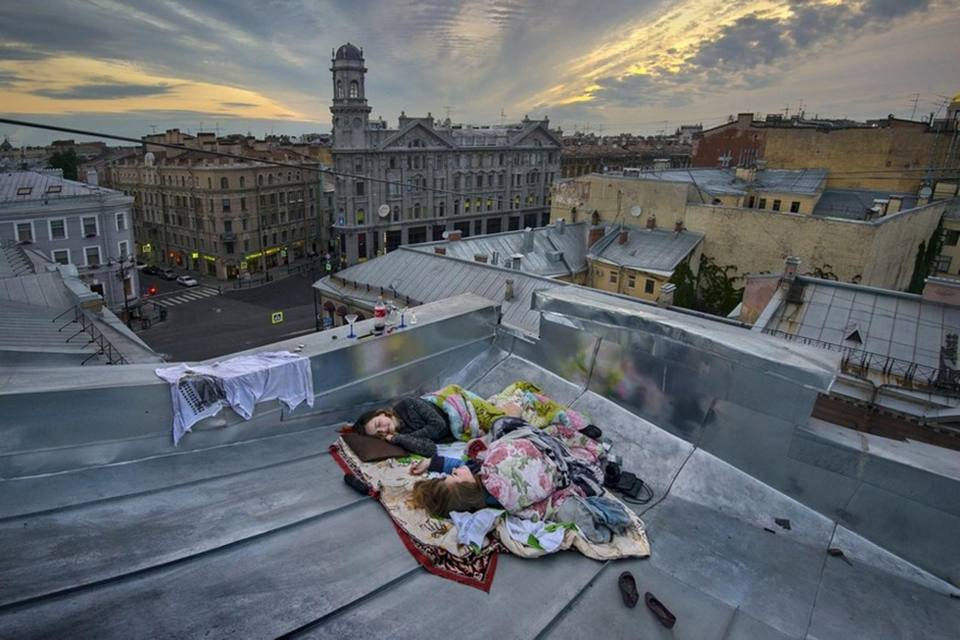 Le ragazze sul tetto