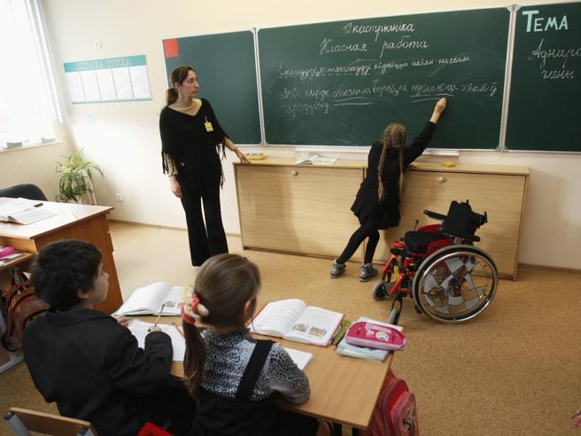 Allarme insegnanti di sostegno «Il Miur bandisca più posti»