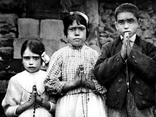 Fatima, presto santi i pastorelli Francisco e Giacinta