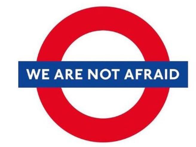 Attentato a Londra: #WeAreNotAfraid, Twitter con i londinesi