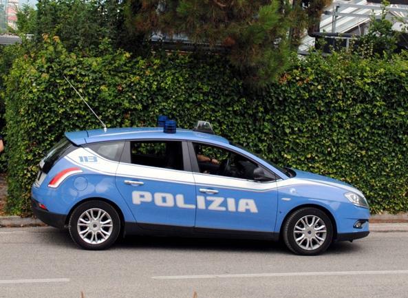 Rimini, richiedente asilo aggredito: urla e sangue, poi l'inseguimento in auto