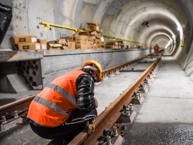 Nella pancia del metrò M4 Come il tunnel del Cern: le foto