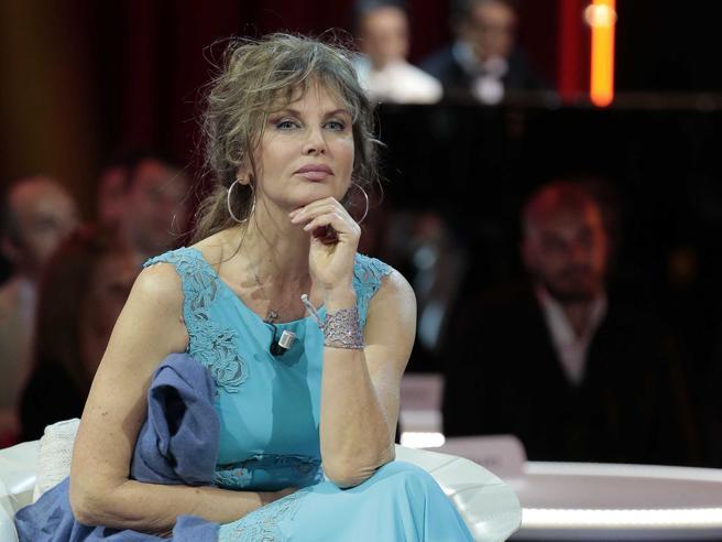 Dalila Di Lazzaro: «Desideri? Ho dissolto tutto, sono un monaco»