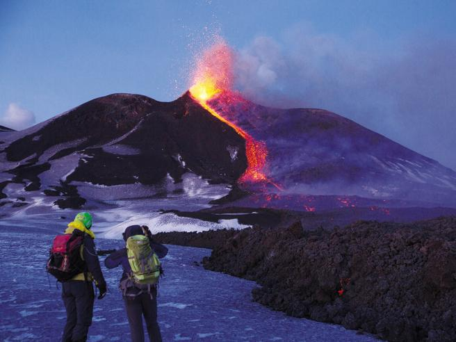 I guardiani dell'Etna: chi tutelai turisti sul vulcano   Immagini