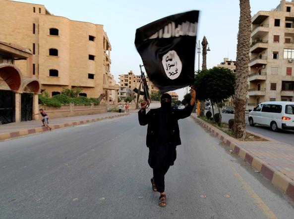 Siria. Imminente crollo diga Tabqa, Isis ordina evacuazione Raqqa