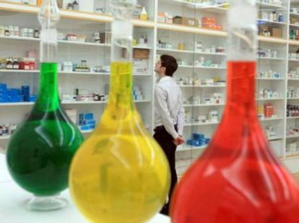 Un particolare dell'installazione «Pharmacy» (1992), realizzata dall'artista inglese Damien Hirst (Bristol, 1965)