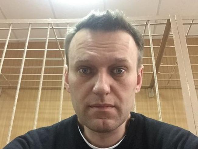 Navalny, condannato a 15 giorni di carcere.  Critiche UsaUe: rilasciatelo. No di Mosca La sua inchiesta su Medvedev
