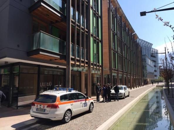 Trento, due bambini trovati morti in casa. Il padre si sarebbe suicidato