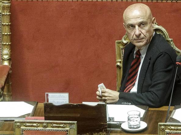 Governo: Marco Minniti il ministro piu' gradito (41%)