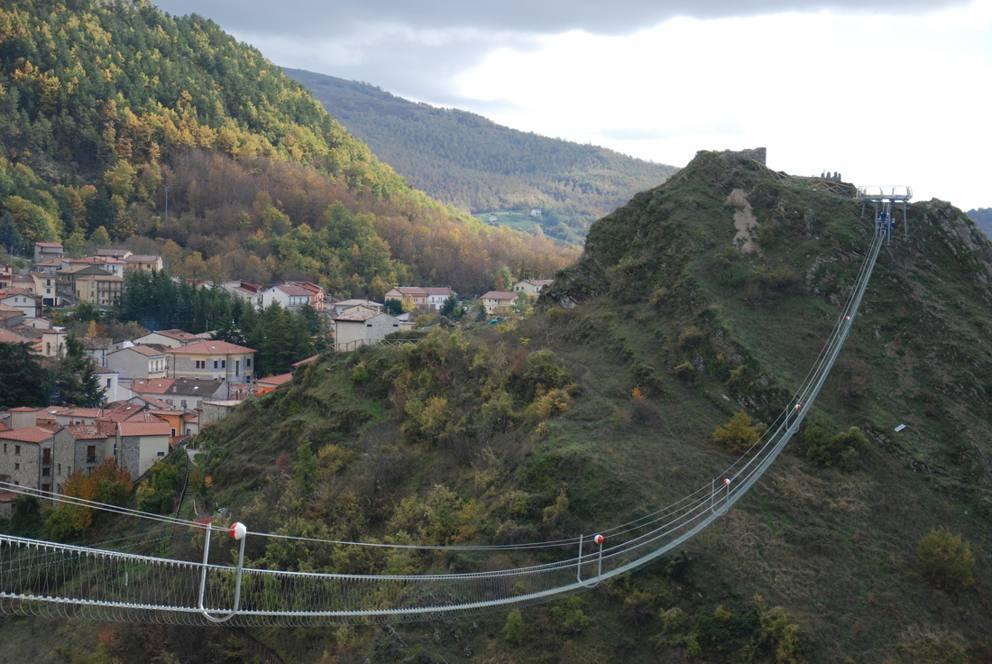 Basilicata il ponte della luna sospeso nel vuoto a 120 for Gradini del ponte curvi