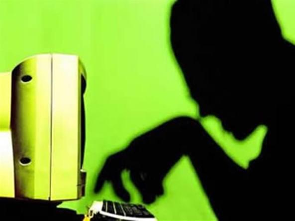 Bari, adescava minori con Skype: arrestato postino di 40 anni
