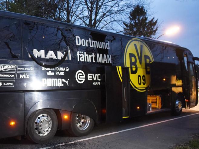 Dortmund, bomba contro il bus del Borussia: arrestato sospetto islamico Le foto|Ricostruzione in 3D: video