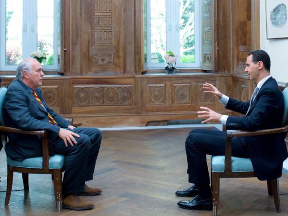 Bashar al-Assad intervistato da Sammy Kets, responsabile dell'ufficio di Beirut della France Press (Afp)