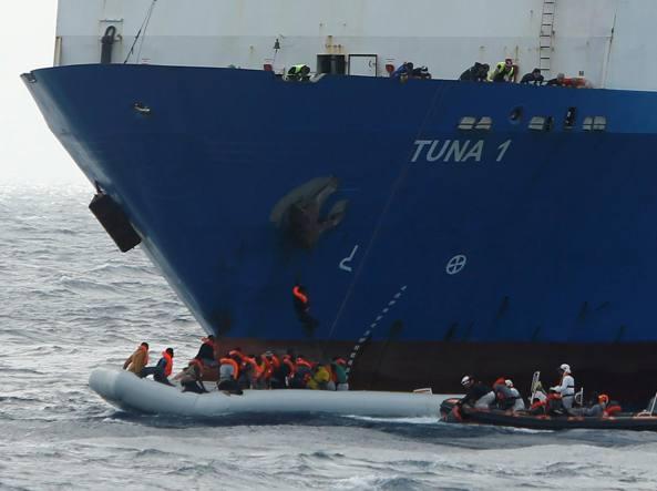 Migranti: guardia costiera libica conferma, 97 i dispersi