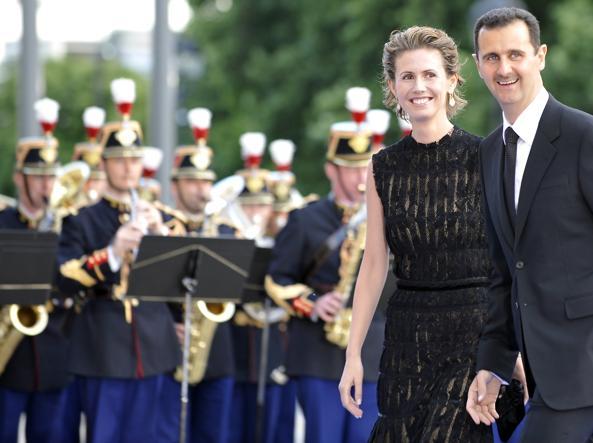 Asma Assad con il marito (Afp)
