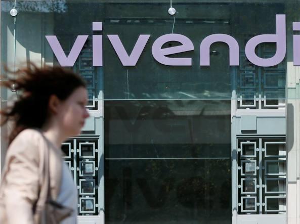 Agcom blocca Vivendi, ancora un anno per decidere: Mediaset o Telecom
