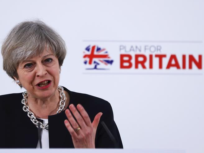 May, annuncio a sorpresa:  voto anticipato l'8 giugno «Le divisioni sulla  Brexit ci indeboliscono»