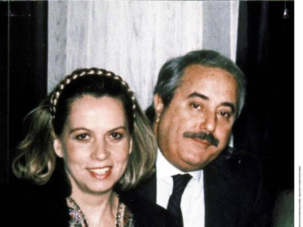 Maria Falcone, Morvillo fuori Fondazione