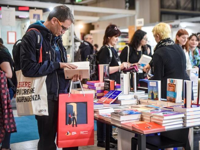 Tempo di Libri, meno di 70 mila visitatori: «Adesso da migliorare»