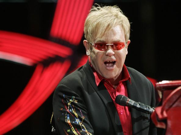 Durante il suo tour in Sudamerica Elton John ha rischiato la vita