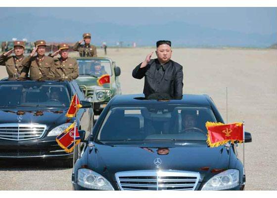 nord corea parata per gli 85 anni delle forze armate sparati 400 colpi di artiglieria. Black Bedroom Furniture Sets. Home Design Ideas