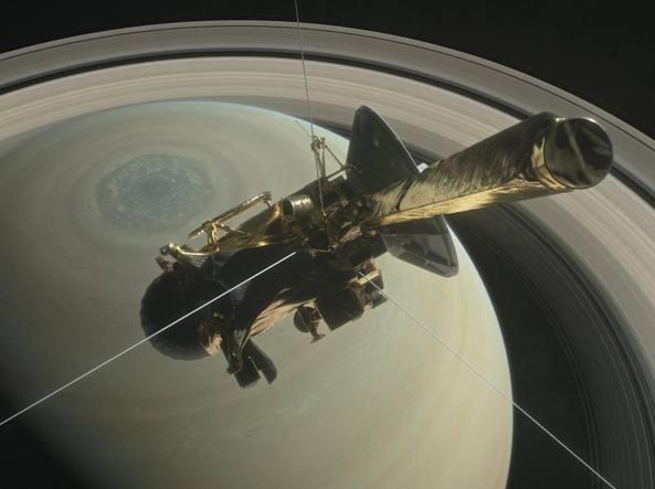 Oggi comincia il tuffo di sonda Cassini