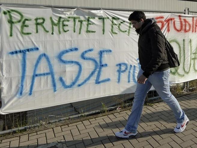 Università in campo contro il caro tasse: «Sconti-farsa dal governo»