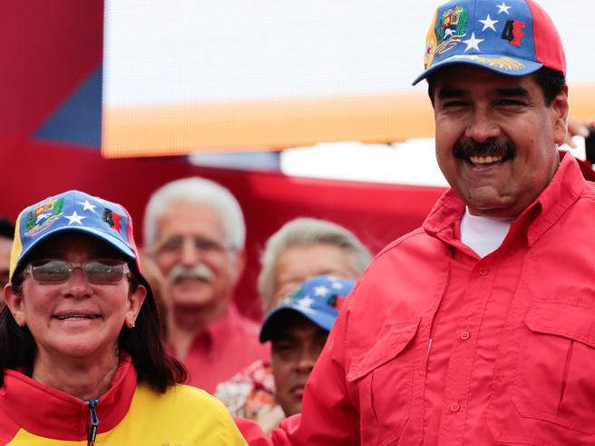 Venezuela e proteste, 29 morti Cresce l'isolamento di Maduro