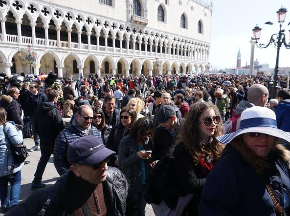 Turismo, Venezia sperimenterà presto il conta-persone