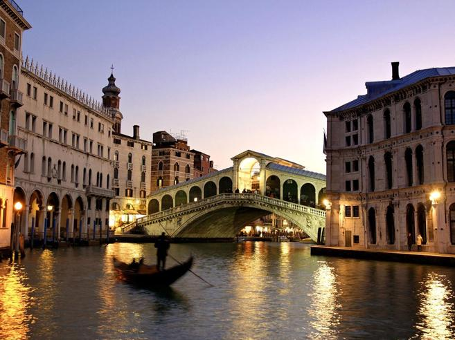 Venezia,  sì al conta turistiper limitare gli accessi Al via la  sperimentazione