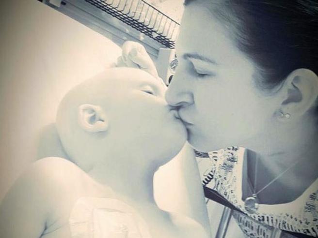 La lotta di Nolan contro il tumore e l'ultimo saluto alla sua mamma