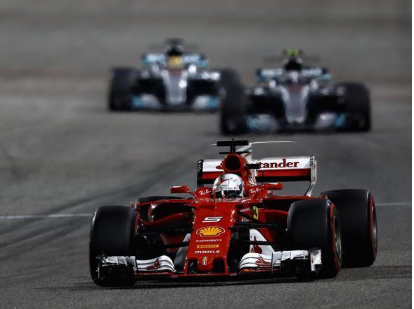 Vettel prenota la vittoria in Russia