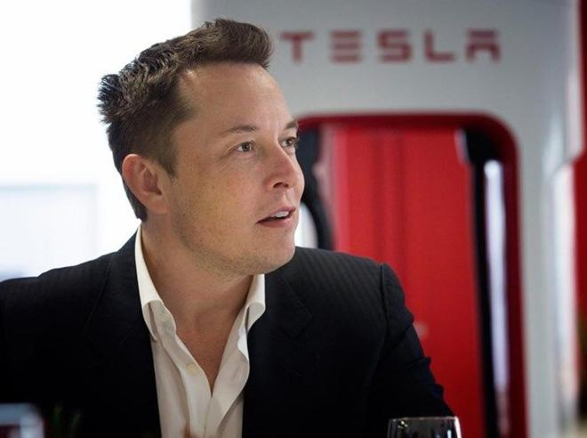 Dentro Tesla, fabbrica dei sogni del visionario Elon Musk Foto