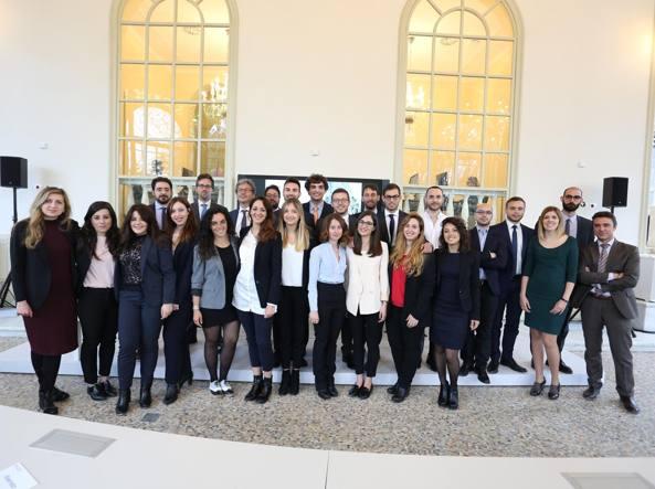 Studenti della Luiss Business School e responsabili del progett o WikiTim
