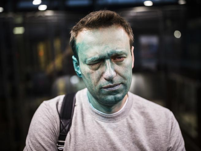 Russia, elezioni e misteri:   Putin e la salute, Navalny e  Zelenka, la tintura  verde contro i dissidenti