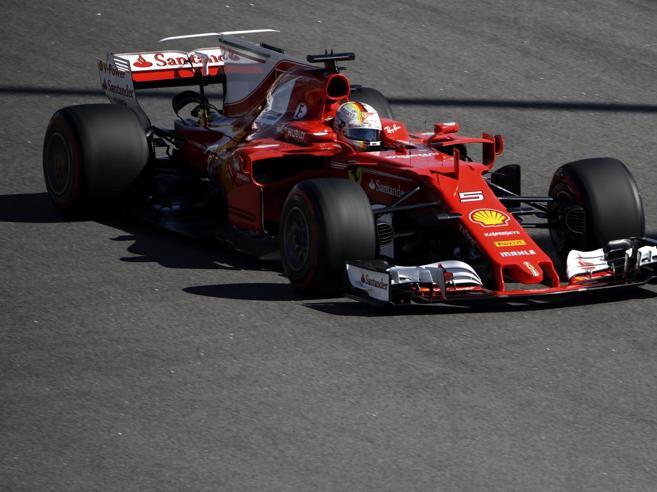 F1, Gp di Russia: volano le FerrariPole di Vettel, secondo Raikkonen