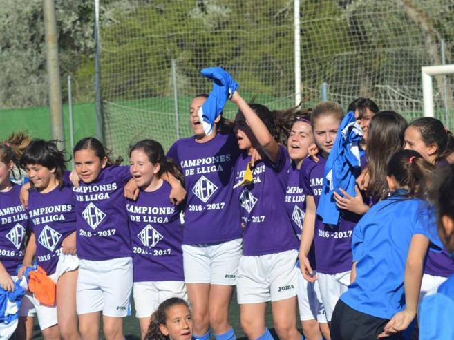 Le ragazze del Lleida fanno la storiastravincendo il campionato maschile