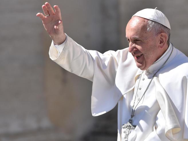 Papa Francesco, l'appello per il Venezuela: «Governo e società evitino qualsiasi altra forma di violenza»