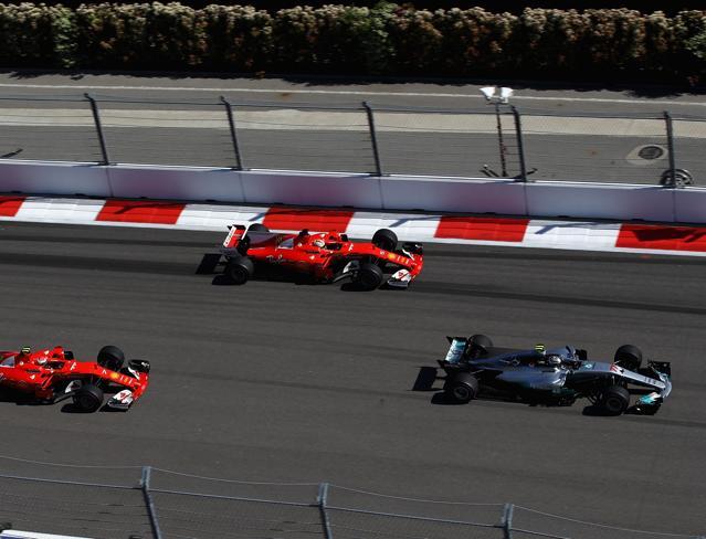 F1, Bottas   beffa le Ferrari  e vince a Sochi Vettel e Raikkonen sul podio  Foto|La gara