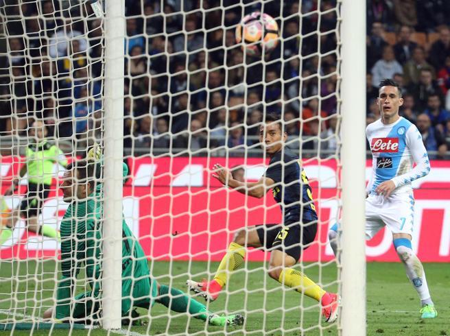 Serie A, Inter-Napoli 0-1: Nagatomo e Callejon castigano i nerazzurri