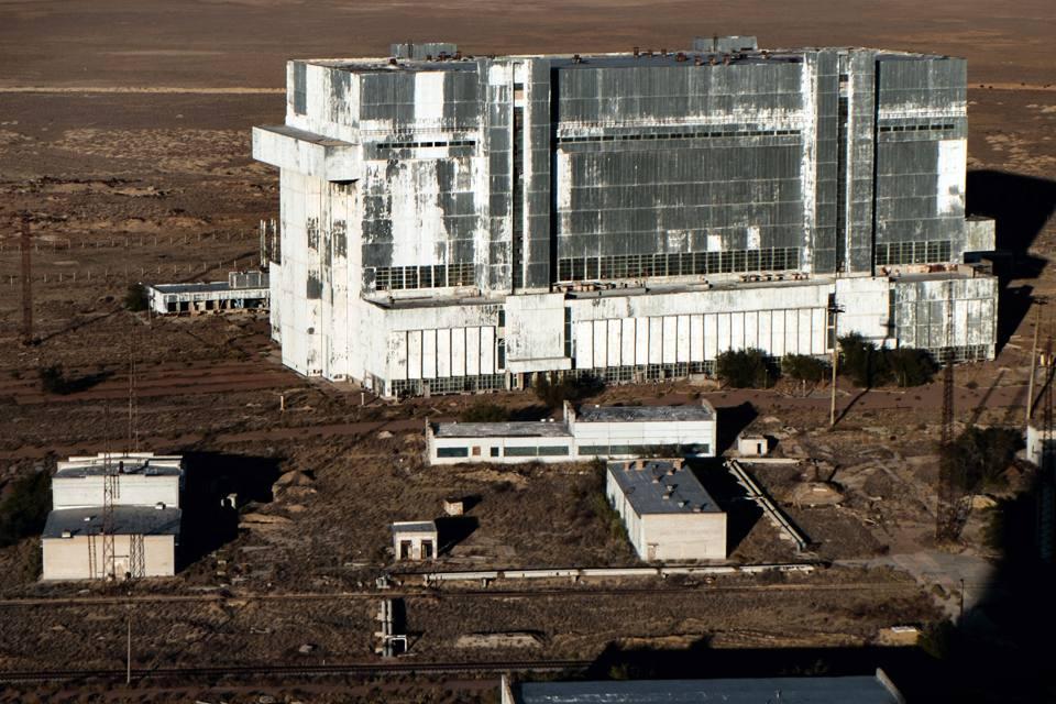 Dimenticati in un hangar nel kazakistan tra gli shuttle for Le navicelle spaziali