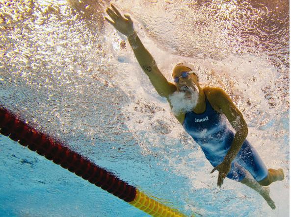 Federica Pellegrini impegnata nei 200 metri stile libero (Afp)