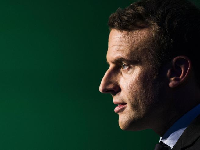 Elezioni Francia, Macron denuncia: «Le nostre mail rubate dagli hacker»
