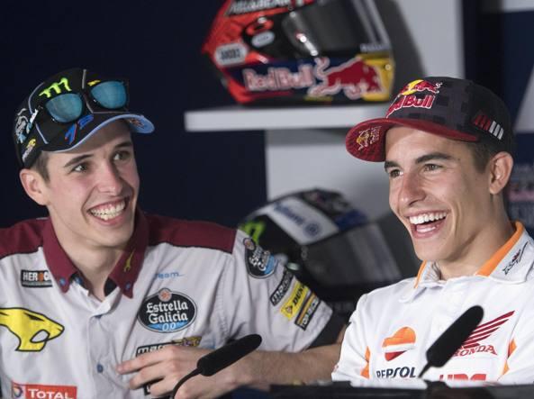 Alex Marquez con il fratello Marc. Non vinceva nel Motomondiale dal 201 4 (Getty)