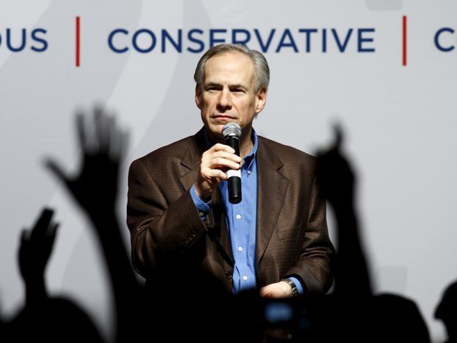 Texas, il governatore contro le «città santuario»: obbligo di comunicazione su immigrati