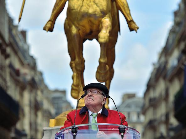 Le Pen, papà Jean-Marie  e l'abisso edipico: «Marine? Non  sarà mai all'altezza»