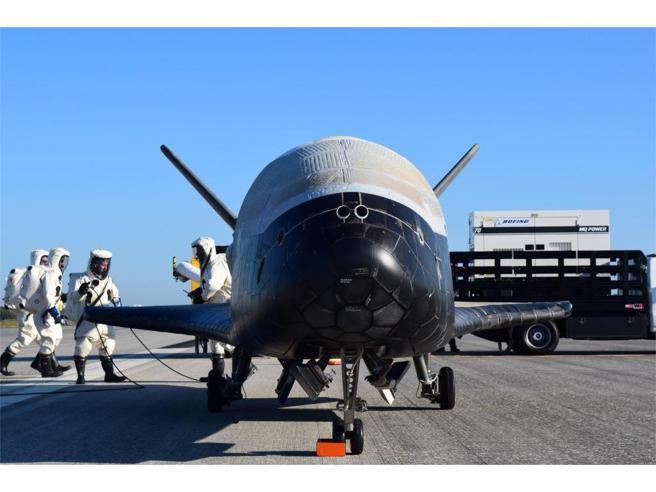 718 giorni nello spazio e ritorno  rientra a casa  lo shuttle dei record