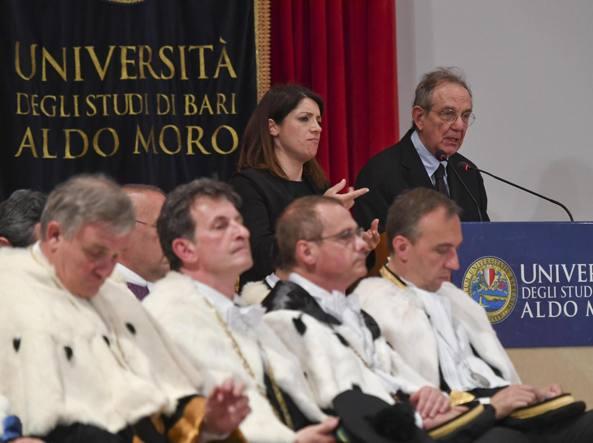Il ministro dell'Economia Pier Carlo Padoan all'Università Aldo Moro di Bari